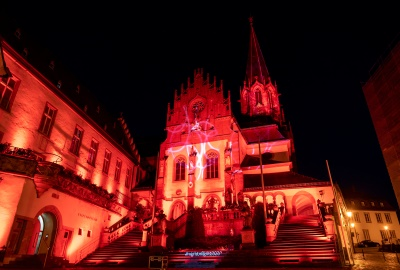 "PG Eventtechnik beleuchtet Stiftskirche Aschaffenburg zu ""Night of Light 2020"""